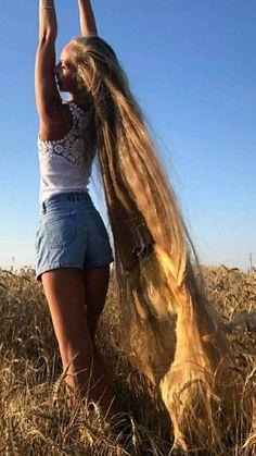 Very Long Hair, Beautiful Long Hair, Layered Cuts, Dream Hair, Female Images, False Eyelashes, Pretty Woman, Blonde Hair, Long Hair Styles