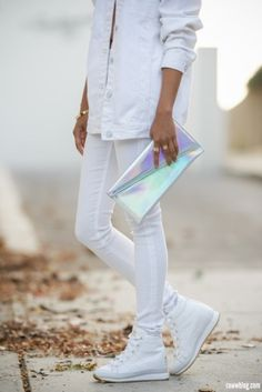 white on white fashion. #style #streetstyle #trends