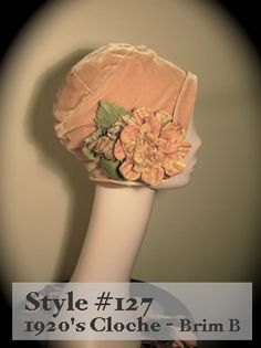 1920s hat pattern Costume Année 30, Hat Patterns To Sew, Pattern Sewing, Orange Hats, 1920s Hats, Flapper Hat, Hat Boxes, Hat Making, Hat Pins