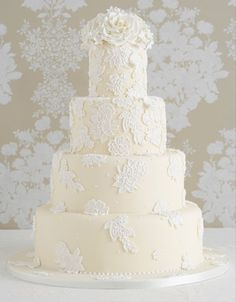 positively beautiful cake inspired by an Oscar de la Renta gown.   from Peggy Porschen.