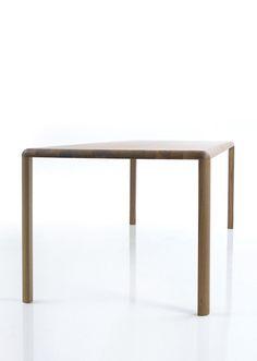 THUNA table. Presented in walnut. Aluminum feet veneered according to the tabletop. Other wood types are possible. Design: Gil Coste #massivholztisch, #massivholztische, #solidwoodtable, #solidwoodtables, #madeingermany, #esstisch, #esstische, #diningtable, #diningtables, #designermöbel