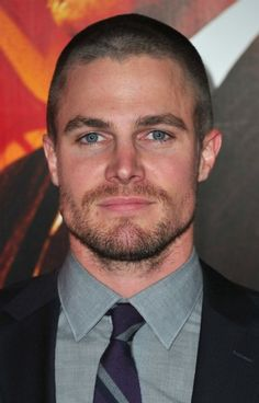 'Green Arrow': Stephen Amell cast in the lead role