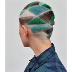 rapados geométricos y tatuajes capilares inspirados en la cultura punk de los 90 | read | i-D