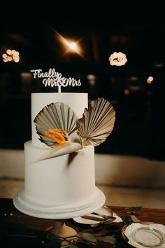 This couple hosted a modern-meets-retro wedding at the Lautner Compound in Desert Hot Springs, California. Wedding Party Dresses, Wedding Cakes, Chicken And Biscuits, Dream Wedding, Wedding Day, Entrance Sign, Cupcake Flavors, Vanilla Frosting, Signature Cocktail