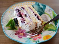 Get Blackberry Icebox Cake Recipe from Food Network Cookie Desserts, Easy Desserts, Delicious Desserts, Mint Desserts, Frozen Desserts, Summer Desserts, Fruit Recipes, Sweet Recipes, Dessert Recipes