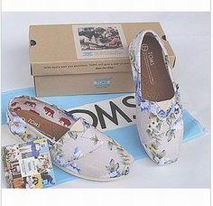Zapatos florales Toms
