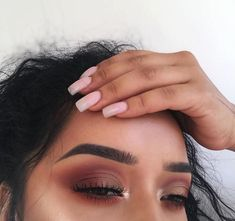 Brown eyeshadow. Pinterest: skywalkereleven.