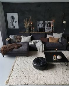 New living room design ideas for apartment interior design 08 Dark Living Rooms, Living Room Decor Cozy, Boho Living Room, Modern Living, Small Living, Cozy Living, Masculine Living Rooms, Living Room Ideas Dark Couch, Black Living Room Furniture