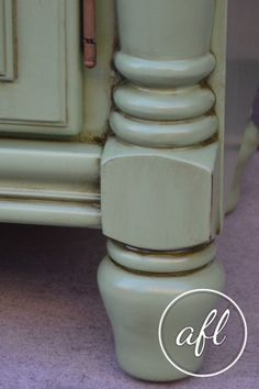 Using Minwax dark walnut stain to age painted furniture. Creating a farmhouse look on painted and distressed furniture. #glaze