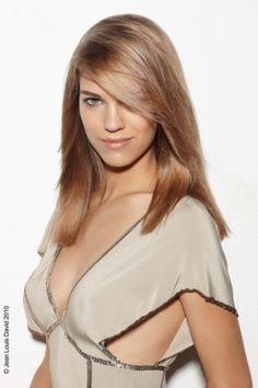 Kapsel voor halflang haar: blond haar