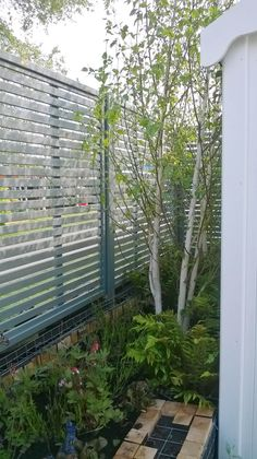 Painted Jacksons Fencing Venetian Panels | #fence #fencing #garden #design #contemporary #ideas