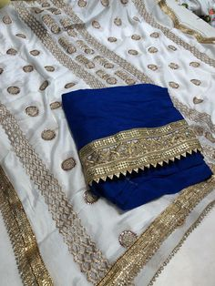 Indian Suits, Punjabi Suits, Salwar Suits, Indian Wear, Long Coats, Saree Blouse, Ethnic, Fashion Outfits, Embroidery
