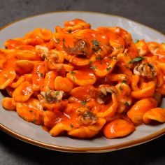 "This is ""Orecchiette crema di peperoni e seppie"" by Al.ta Cucina on Vimeo, the home for high quality videos and the people who love them. Dinner Recipes Easy Quick, Healthy Dinner Recipes, Vegetarian Recipes, Italian Dishes, Italian Recipes, Healthy Crockpot Recipes, Cooking Recipes, Food Platters, Easy Healthy Breakfast"