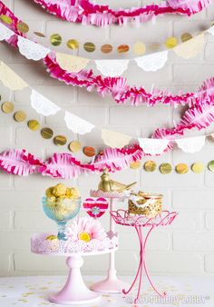 Set the scene this Valentine's Day with simple party decor in shades of pink, gold, and cream. How do you decorate for this lovely holiday? Diy Party, Party Favors, Party Ideas, Birthday Party Themes, Girl Birthday, Breakfast Party, Party Decoration, Baby Shower, Gold Party