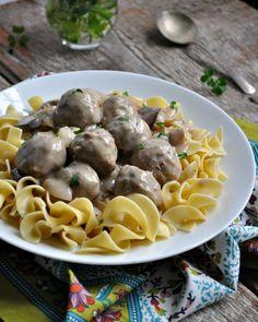 Slow Cooker Meatball Stroganoff 4