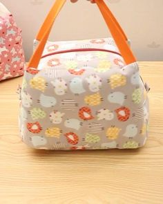 Diy Bags Patterns, Purse Patterns, Sewing Patterns, Lunch Bag Patterns, Sewing Tutorials, Sac Lunch, Lunch Tote Bag, Lunch Bags, Sacs Tote Bags