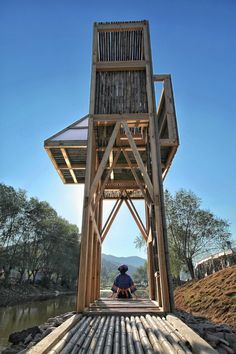 Image 21 of 35 from gallery of Shelter · The Mirrored Sight / Li Hao. Photograph by Kang Wei Bamboo Structure, Timber Structure, Futuristic Architecture, Architecture Details, Nanjing, Ideas Cabaña, Wardrobe Door Designs, Woodland House, Tower Building