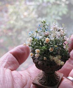 an overflowing pot from rosyanneg blog spot