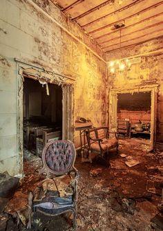 Inside an Abandoned Downtown Jacksonville Funeral Home | Metro Jacksonville, FL