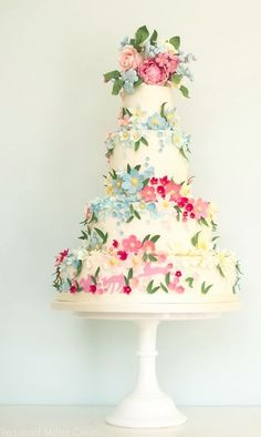 Wedding Cakes - There are beautiful watercolored pastel cakes, but also sophisticated tiered wedding cakes with classic details. We are seriously blown away by these irresistible elegant wedding cakes from Rosalind Miller that are g. Floral Wedding Cakes, Wedding Cakes With Flowers, Cool Wedding Cakes, Beautiful Wedding Cakes, Gorgeous Cakes, Wedding Cake Designs, Wedding Cake Toppers, Elegant Wedding, Pastel Cakes