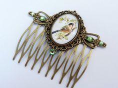 Romantic hair comb with bird spring vintage hair by Schmucktruhe, €16.50