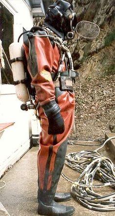 Buy Commercial Diving Tools from Experienced Saturation Diver. Scuba Wetsuit, Diving Wetsuits, Scuba Diving Gear, Diving Suit, Military Suit, Technical Diving, Diving Helmet, Scuba Diving Equipment, Best Scuba Diving