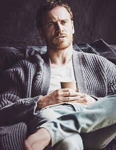 Michael Fassbender Covers British GQ, Talks Working with Girlfriend Alicia Vikander Michael Fassbender 300, Michael Fassbender And Alicia Vikander, X Men, Jane Eyre, Jake Gyllenhaal, Steve Jobs, Sebastian Moran, Fotografia Tutorial, Foto Portrait