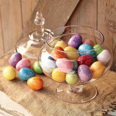 tischdeko zum frühling ideen für ostern tischdekoration mit bunten eiern