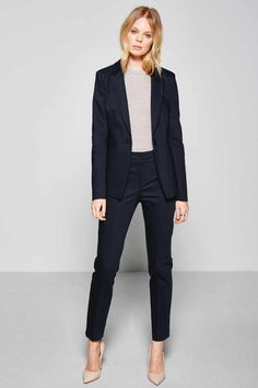 Suits for women Pantsuits for every occasion - Suits for women Pantsuits for every occasion DRYKORN - Business Outfit Damen, Business Outfits, Business Attire, Business Fashion, Business Style, Business Casual, Office Outfits Women, Casual Work Outfits, Work Attire