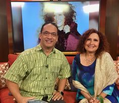 """Got to sit and talk with Grammy Award Winner Melissa Manchester (Midnight Blue, Looking Thru The Eyes Of Love, Donʻt Cry Out Loud, You Should Hear How She Talks About You, just to name a few).  She went to college with Paul Simon, sang commercial jingles with Barry Manilow who introduced her to our Hawaii girl Bette Midler!  Melissa is releasing her 21st album called """"The Fellas"""" and she is playing at the Royal Hawaiian Hotelʻs Monarch Room tomorrow night!  Iʻve got her Grammy Award Winning… Grammy Award, Award Winner, Hawaii News Now, Paul Simon, Bette Midler, Barry Manilow, Friday Morning, Home Team, Midnight Blue"""