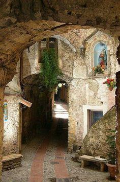 #Dolceacqua, #Imperia, #Liguria, #Italy #travel #viaggi #slowtravel #vacanze http://thelifestylejournal.it/