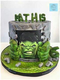 Hulk Birthday Parties, Spiderman Birthday Cake, Avengers Birthday, Superhero Cake, Hulk Cakes, Marvel Cake, Hulk Party, Green Cake, Beautiful Birthday Cakes