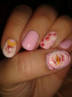 Pink nails and one stroke art