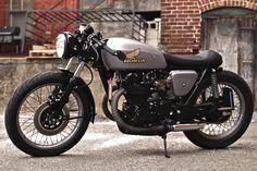 Honda CB450 Cafe Racer 'Lucky 13' via makineira