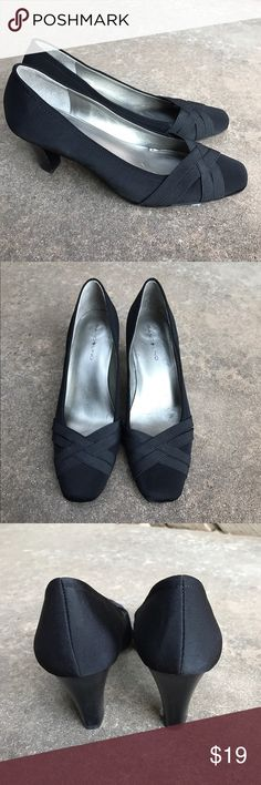 "Bandolino Black Heels Kitten heels in excellent condition. Size 7.5 and only worn twice. Heel is 2 3/4"". Bandolino Shoes Heels"