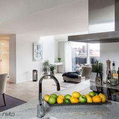 Nivito - Reflected RE-110 Cilalı Çelik, Paslanmaz çelik #nivito #paslanmazçelik #kitchenfaucet #mutfak #cilalicelikmusluk #celik #cilalıçelik #mixertap #musluk #cilali #kitchensinkfaucet #tesisatarmaturleri #mutfakarmatürleri #kitchentap Simple Interior, Minimalist Interior, Best Interior Design, Minimalist Decor, Luxury Interior, Interior Styling, Interior Architecture, Interior Decorating, Modern Interior