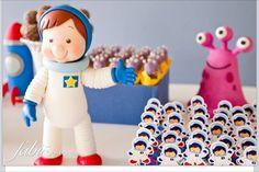 Astronautas e monstrinhos