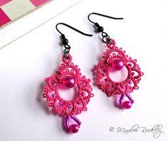 Tatted earrings hot pink di yarnplayer su Etsy, $20.00