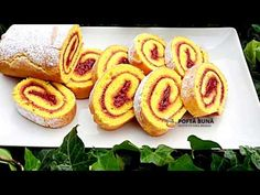Soft little crescent rolls filled with plum jam and nuts Onion Rings, Hot Dog Buns, Sushi, French Toast, Food And Drink, Cooking Recipes, Sweets, Make It Yourself, Breakfast