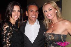 Tanya Tate posing with the Mayor Of LA Antonio Villaraigosa & the gorgeous Lu Parker, Miss USA 1994.