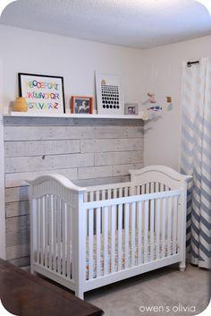 DIY pallet wall for nursery. Pallett Wall, Diy Pallet Wall, Pallet Ideas, Pallet Wood, Pallet Projects, Diy Wood, Wood Plank Walls, Wood Wall, Palettes Murales