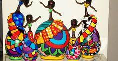 Fui contactada pela artesã Ronilda Oliveira . Ela me mostrou seus trabalhos com cabaça pintada e adorei!!!!   Fiz uma seleção de alguns t...