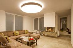 Svetelný strop CIR 1500 v tmavom dekóre a nepriamym osvetlením. Ceiling Lights, Lighting, Home Decor, Decoration Home, Room Decor, Lights, Outdoor Ceiling Lights, Home Interior Design, Lightning