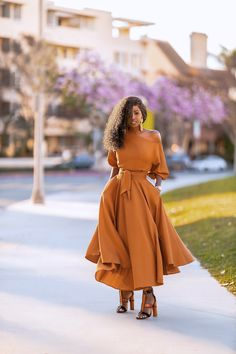 StylePantry – Daily outfits from Folake Kuye Huntoon Classy Outfits, Cool Outfits, Summer Outfits, Fashion Outfits, Work Fashion, Women's Fashion, Fashion Design, Long Black Bodycon Dress, Cropped Jeans Outfit