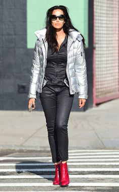Padma Lakshmi from The Big Picture: Today's Hot Photos Stunner! The Top Chef host turns the New York City streets into a runway. Top Chef Host, Padma Lakshmi, Autumn Outfits, Its Cold Outside, City Streets, Big Picture, The Struts, Hottest Photos, Sunnies
