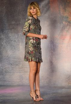 Vestido con flores de otoño. Print dress like a painting