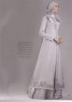Muslima evening dress #4 #MuslimWedding, www.PerfectMuslimWedding.com