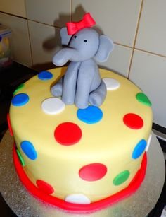 Circus themed cake with fondant Elephant