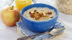Havregrøt med melk som kokes i kjele Norwegian Food, Oatmeal, Berries, Pudding, Vegan, Fresh, Breakfast, Desserts, Cinnamon