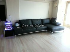 Max9005 - Black Leather L-Shape Sofa